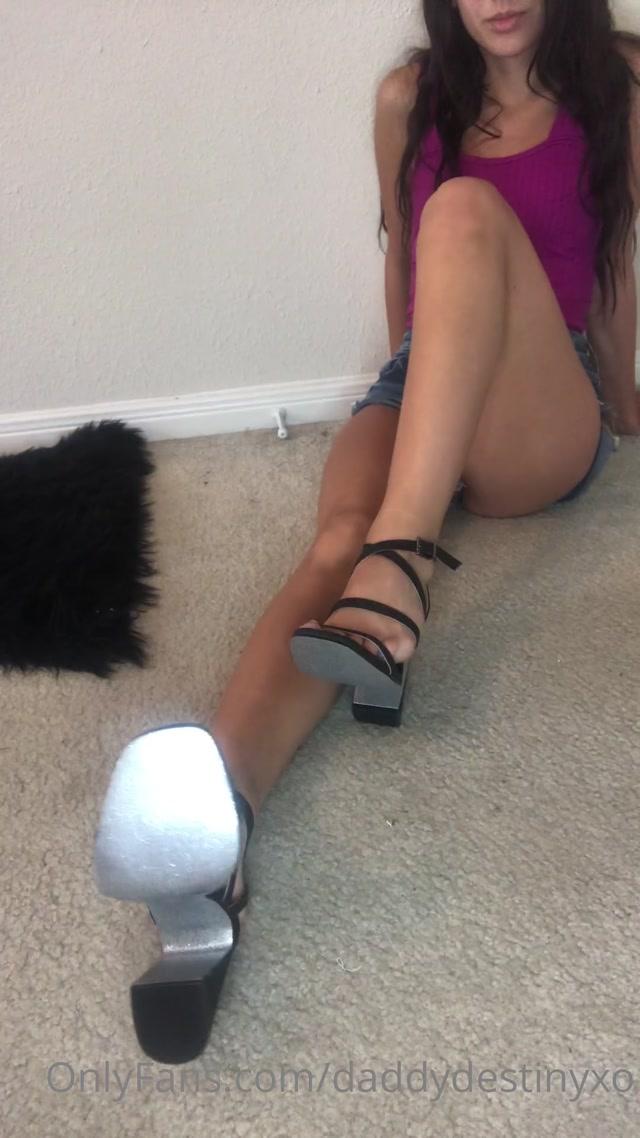 Watch Online Porn – daddydestinyxo – Calm but bratty heel and bare sole Joi (MP4, UltraHD/2K, 1080×1920)