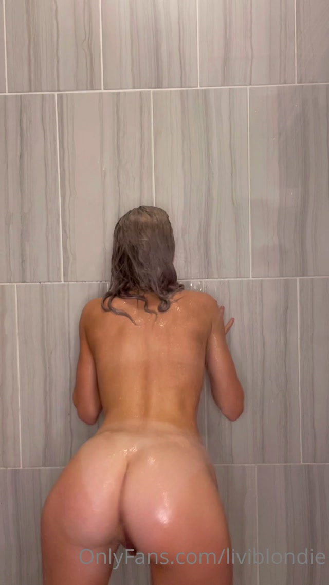 liviblondie_12-03-2021-2053118188-Some_shower_fun_wish_that_it_was_easier_to_have_sex_.mp4.00006.jpg