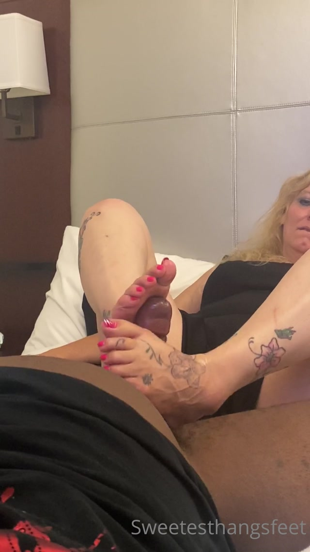 Watch Free Porno Online – sweetesthangsfeet 1208202096914993 from my boston trip thank you so much for b (MP4, UltraHD/2K, 1080×1920)