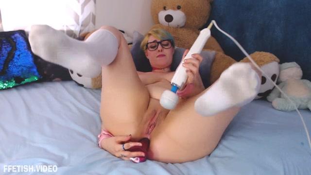 AmeliaLiddell_-_anal_virginity_taken_by_friend_s_Dad.mp4.00014.jpg