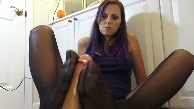 Black Knee Highs Makes you Cum Hard and Fast! - Kinky Foot Girl 00011