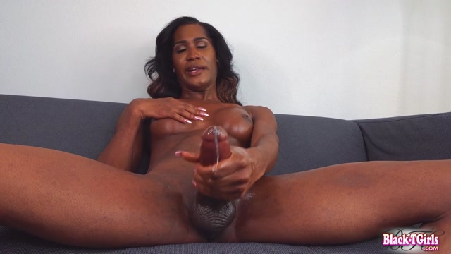 Black-tgirls_presents_Mistress_Venom_s_Amazing_Cumshot.mp4.00014.jpg