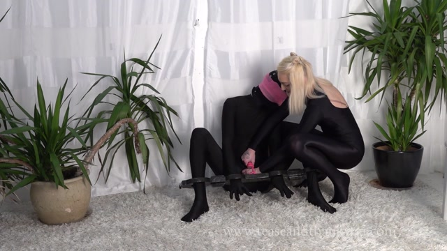 Watch Online Porn – Daddy's Friend The Creep – Mistress Velma (MP4, FullHD, 1920×1080)