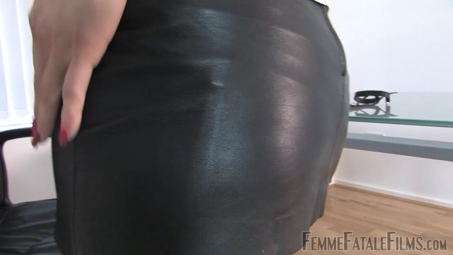 Femme_Fatale_Films_-_Mistress_Arella_-_Kiss__Lick__and_Wank_for_Me_-_Complete.mp4.00012.jpg