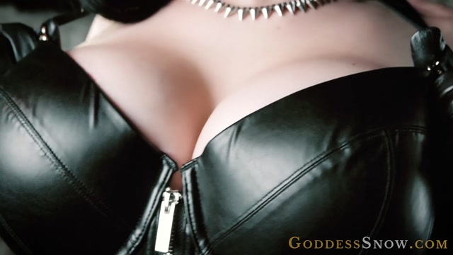 Goddess_Alexandra_Snow_-_Don_t_Breathe.mp4.00011.jpg