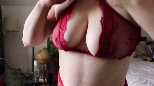 Goddess_Sylvia_-_Tit_Obsession.mp4.00013.jpg