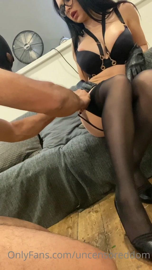 Watch Online Porn – LOSER LOVES MY SWEATY FEET (MP4, UltraHD/2K, 1080×1920)