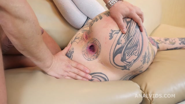 Watch Online Porn – LegalPorno presents My First Time goes Wet, Polina Ice joins Porn with Balls Deep Anal, Gapes, Pee Drink and Cum in Mouth GL427 – 05.04.2021 (MP4, HD, 1280×720)