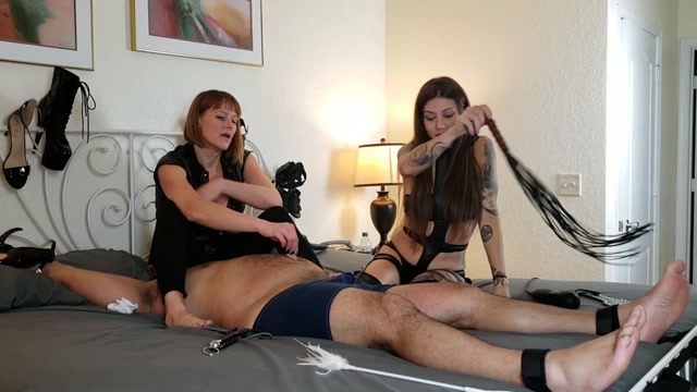 Lingerie___Kink_Therapy___Morgana_and_Jenni_s_foot_slave.mp4.00014.jpg