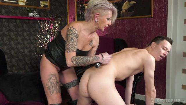 Watch Online Porn – LustyGrandmas presents Kathy aka Cathie, Cathy E – Too Hot For A GILF – 01.04.2021 (MP4, HD, 1280×720)
