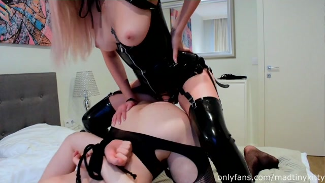 Mad_Tiny_Kitty_-_Alt_Girl_Pegs_her_Slut_HARD._he_s_in_Love_with_my_Big_Cock.mp4.00007.jpg
