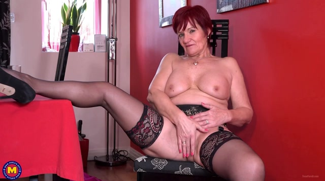 Mature.nl - Linda (EU) (63) - GILF Linda showing off her suspenders 00007