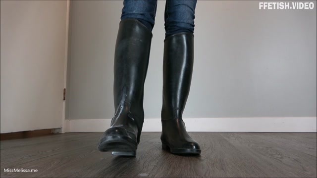 Miss Melissa - Cucky Piggy00 Licks up Cum off Riding Boots 00011