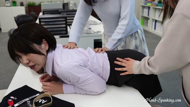 Mistaken For Shoplifters (Eng Sub) - hand-spanking en 00005