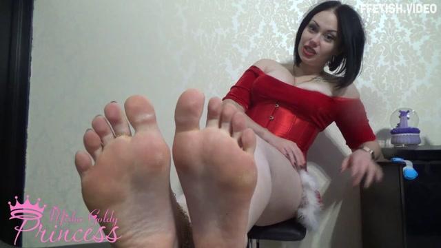 Mistress Goldy - Christmass Foot Fetish gift 00008