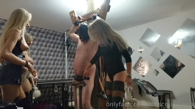 Mistress_Courtney_-_3_Mistresses_Ballbusting_-_Blond_mistresses_kicking_slaves_balls.mp4.00007.jpg