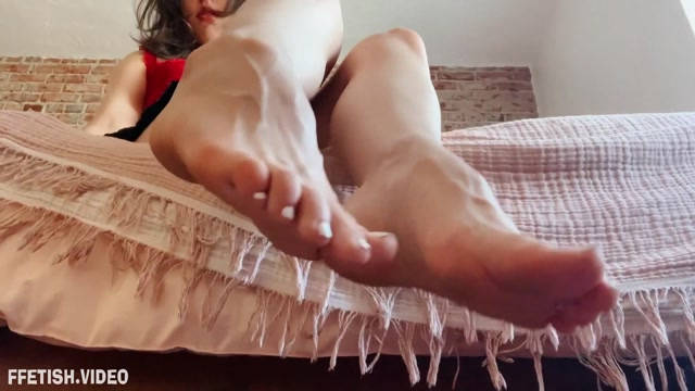 Princess_Violette_-_M0mmy_s_Feet_JOI.mp4.00011.jpg
