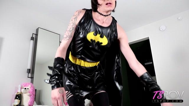 TSPov_presents_Cali_Fauna_Trans_Batgirl_Takes_A_Break_From_Crimefighting___13.04.2021.mp4.00000.jpg