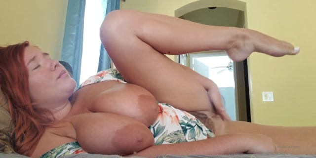 annabellerogers_08-07-2020-77687932-Let_s_cum_at_the_same_time.mp4.00010.jpg