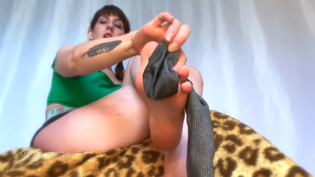 dommetomorrow sock sniffer 00012