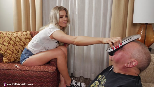 Brat Princess 2 - Amber - Victor is Cuckoo for Converse 4K 00006