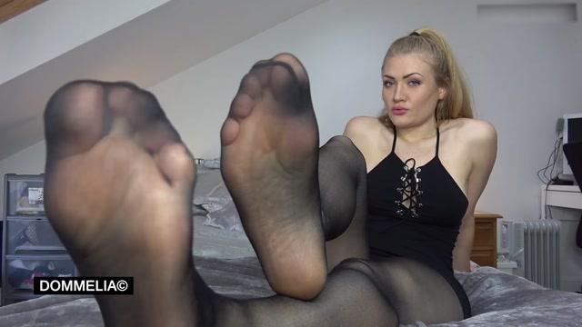 Dommelia - Stroke For My Nyloned Feet 00013