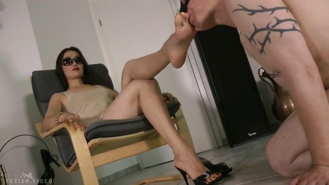 Foot Goddess Leyla - MyDevotedFootServant 00006