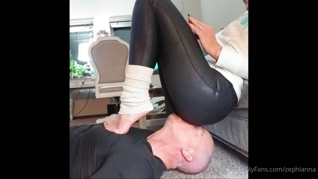 GODDESS ZEPHY BREATH CONTROL. LIKE THE SMELL OF MY ASS THROUGH MY PANTS, LOSER 00011