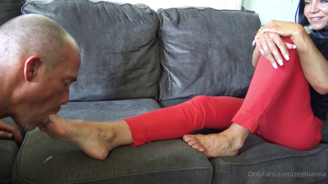 GODDESS ZEPHY SUCK SPIT OFF MY TOES AND FEET, LOSER 00003