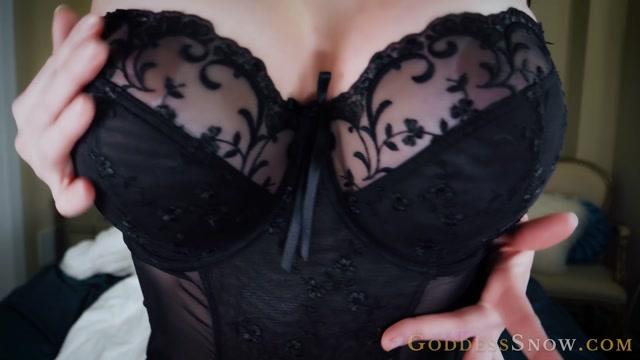 Goddess Alexandra Snow - Warm Delicious Comfort 00004