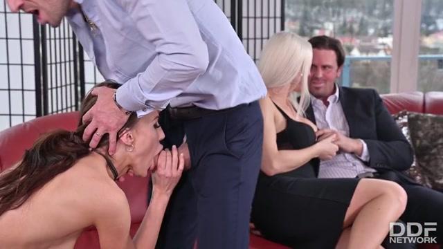 Watch Free Porno Online – HandsOnHardcore presents Blanche Bradburry & Cindy Shine & Nicole Love – Wild Swingers' Orgy With 3 Crazy Czech Chicks – 24.05.2021 (MP4, SD, 960×540)