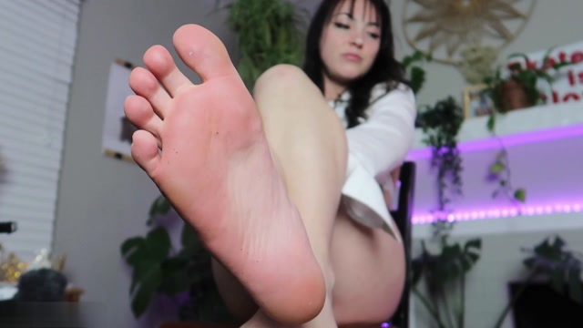 Millie Millz - Interview About Men Smushing 00015