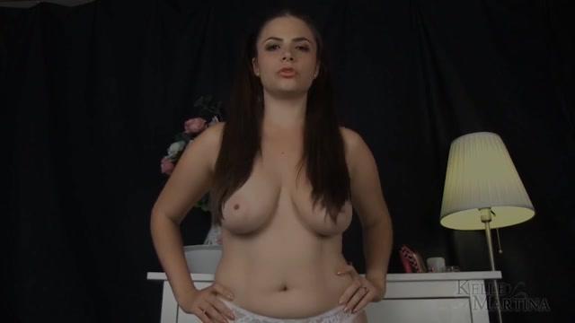 Watch Online Porn – Miss Kelle Martina – Sex Club Bukkake (MP4, FullHD, 1920×1080)