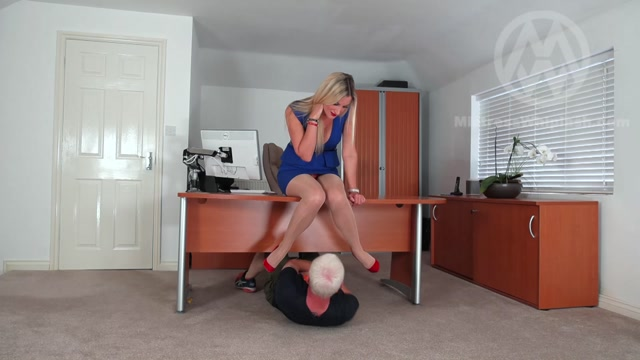 Mistress Nikki Whiplash - Office trampling from sharp Jimmy Choos 00007