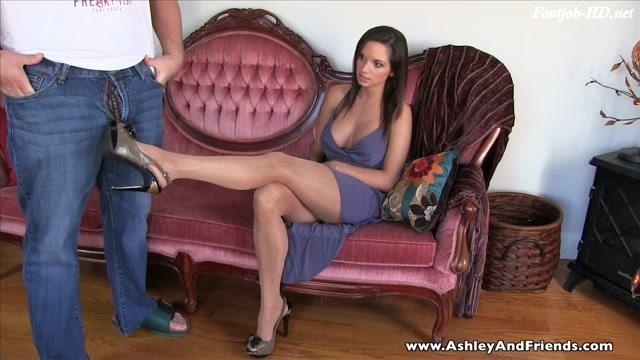 Pantyhose Ballbusting Footjob - Ashley Sinclair 00001