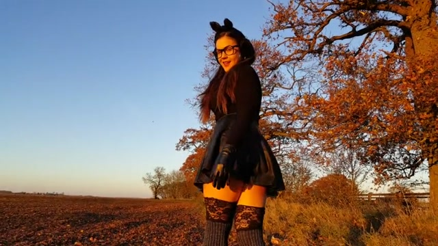 Watch Online Porn – Pissing – teenpee 9 – Outdoors Upskirt Countryside Pee In Fall (MP4, SD, 854×480)