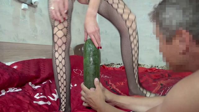 Sexy Crazy Couple penetration long zucchini in wet pussy 00015