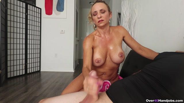 Watch Online Porn – Shower Spurt – Over 40 Handjobs – Kenzie Foxx (MP4, FullHD, 1920×1080)