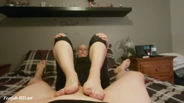 Stinky Sweaty Footjob - Tiffany Lynne 00002
