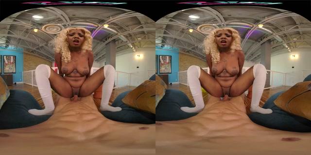 VRHush presents Daizy Doll - Daizy Cooper 4k 00011