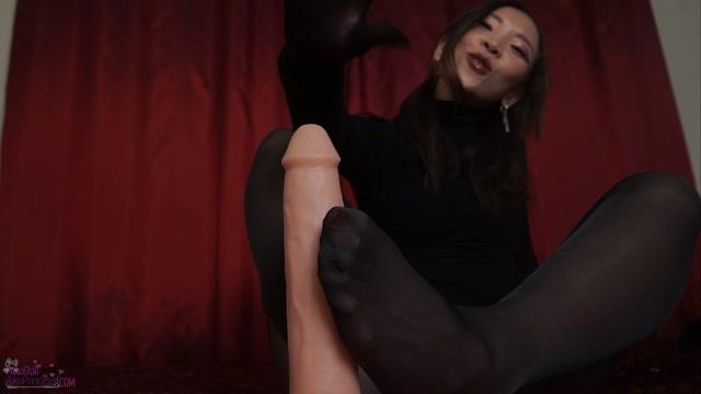Aiko Moe - Make U Weak Nylon Gloves shiny pantyhose 00011