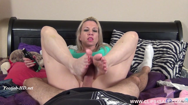 Watch Online Porn – Babysitter Blackmail Fantasy Footjob – Extreme Feet Clips – Jessica Taylor (MP4, FullHD, 1920×1080)
