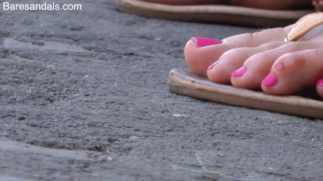 Baresandals Feet 4K and HD Clips - Crazy flip fops mix summer tourists - Candid update 12425 00010