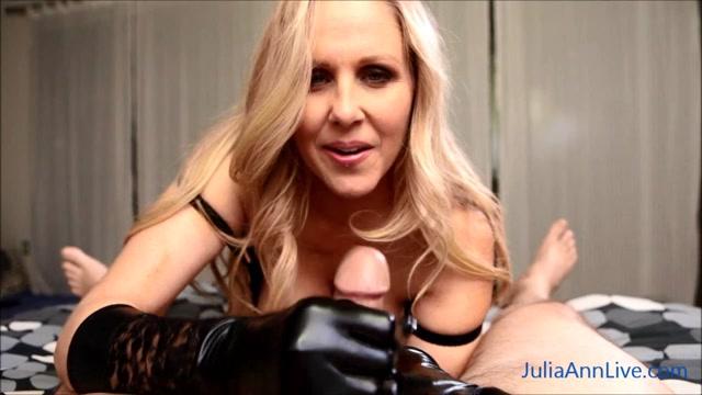 Watch Online Porn – Cum on My Gloves! – Julia Ann (MP4, HD, 1280×720)