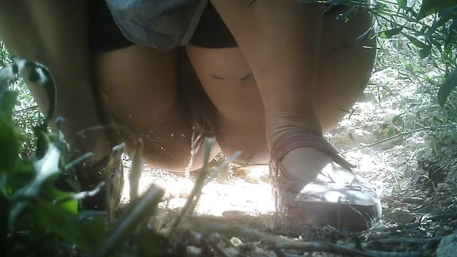 Watch Online Porn – Female Hikers Peeing (MP4, HD, 1280×720)