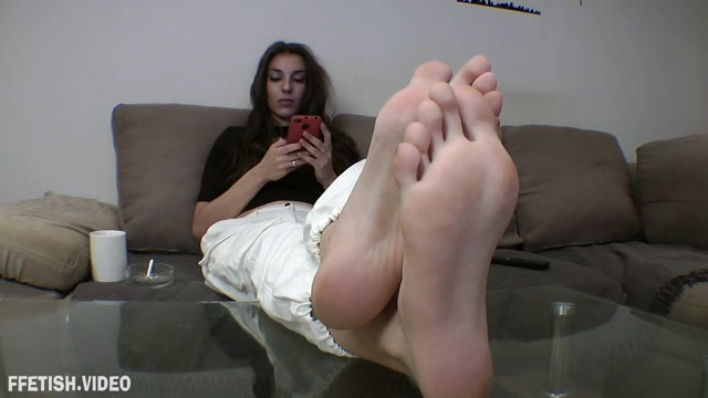 Watch Online Porn – Foot Goddess Mia POV – Cleaning instructions for my future piggy (MP4, HD, 1280×720)