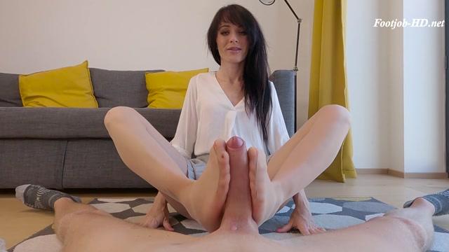 Watch Online Porn – Footjob – Blowjob Cum in Mouth – Nicole Petite (MP4, FullHD, 1920×1080)