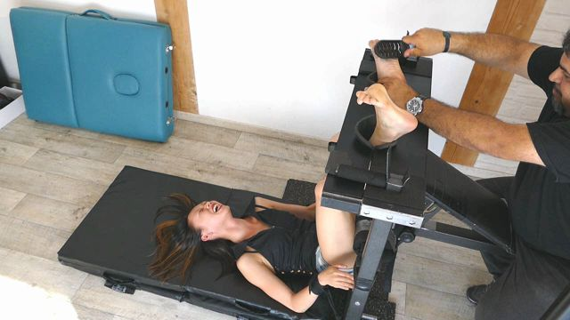 FrenchTickling - We Met The Most Ticklish Asian Girl On Earth Soles Up Agony 00009