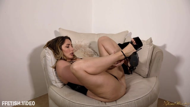 Watch Online Porn – Glam Worship – These Feet Paige Turnah – Foot Fetish (MP4, FullHD, 1920×1080)
