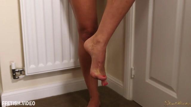 Watch Online Porn – Glam Worship – You Love Me Jenna Hoskins – Foot Fetish (MP4, FullHD, 1920×1080)